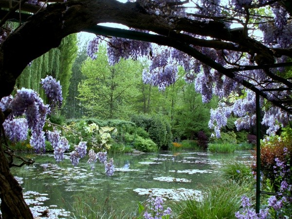 Claudiane , Giverny  , Wissous,
